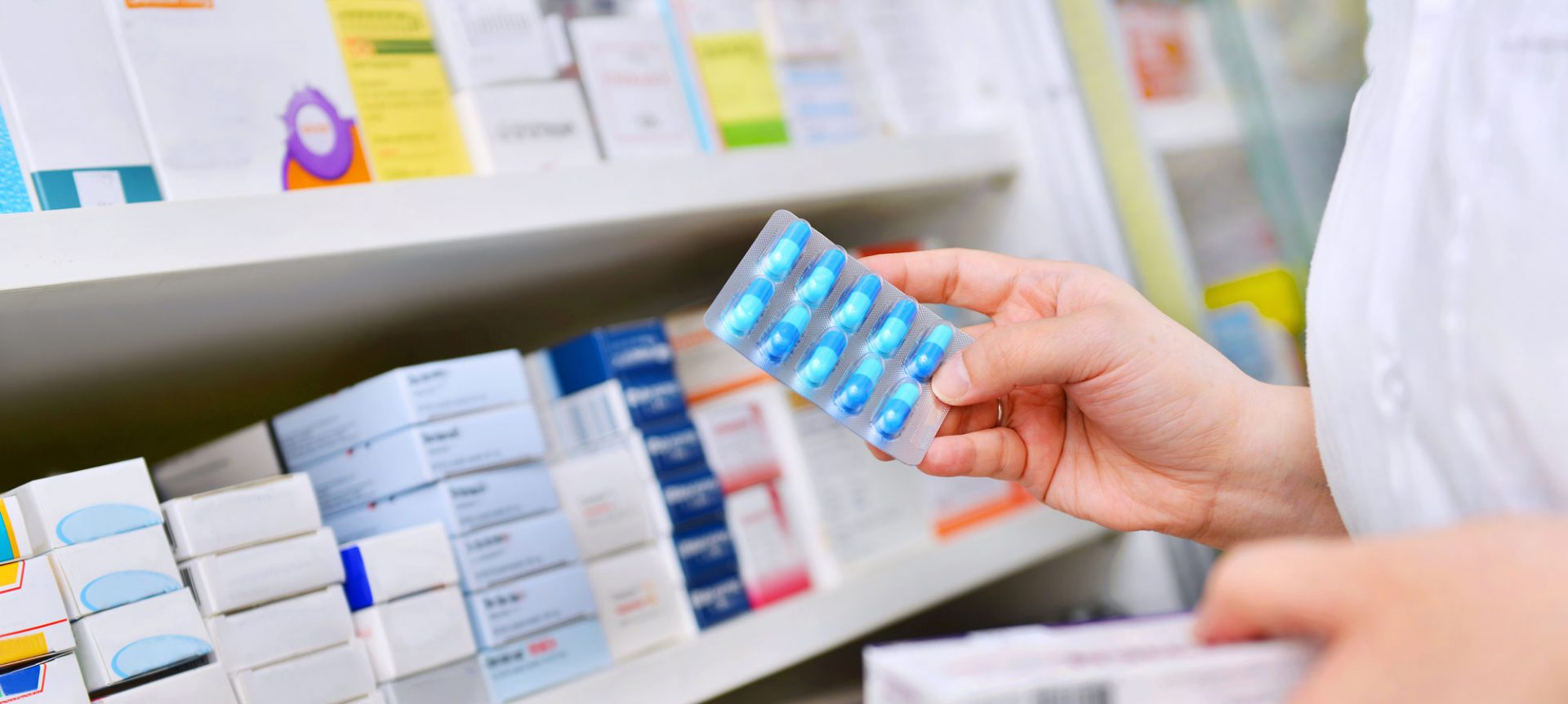 https://www.vvh.org/wp-content/uploads/2018/07/Pharmacy_Header-1920x863.jpg